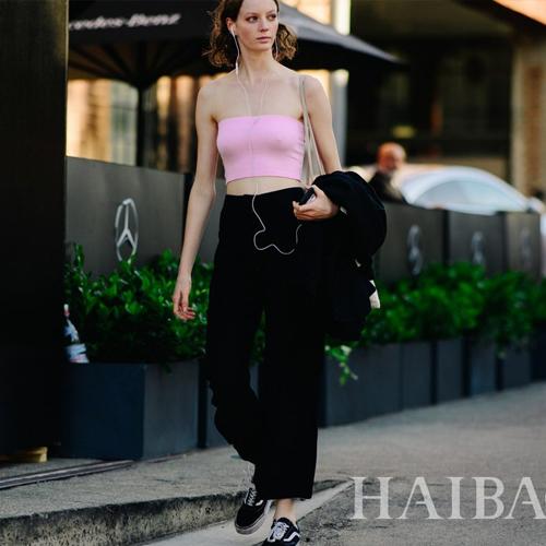 穿上宽裤子 走路带风更清凉爽快 欧美型人街拍之阔腿裤特辑