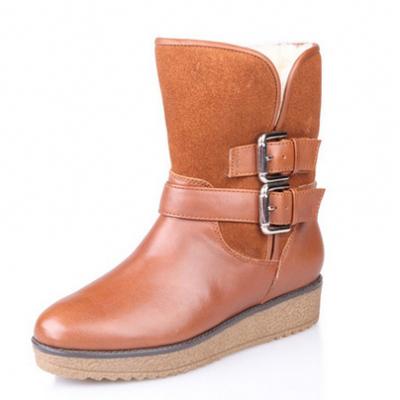 千百度時尚簡約皮帶扣坡跟短靴