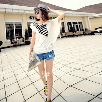 伊美惠白色寬松款T恤