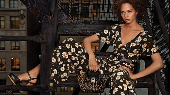 Versace母公司去年实现营收52亿美元 净利润大跌56.8%