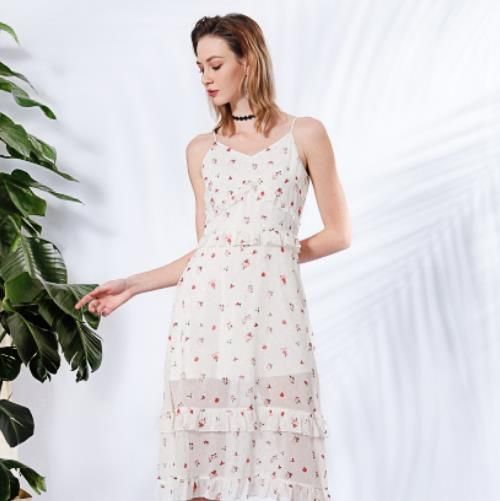 莎斯莱思时尚女装,绝对让你在街头赚足回头率!