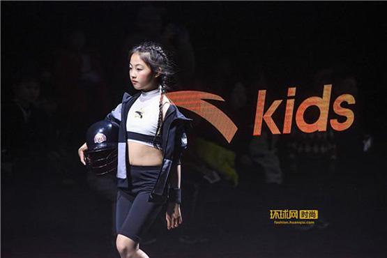 都知道儿童服装的市场空间大,领先的安踏儿童如何在竞争中永远更进一步?