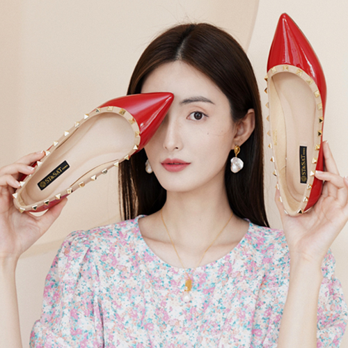 星期六2021春季新款浅口单鞋低平跟铆钉优雅尖头女鞋子
