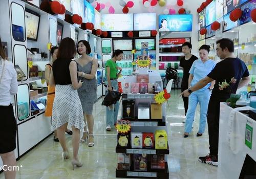 想开个化妆品店 精妆联华六大加盟优势扫清开店难题