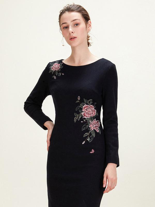 歐柏蘭奴新款保暖繡花修身短款連衣裙