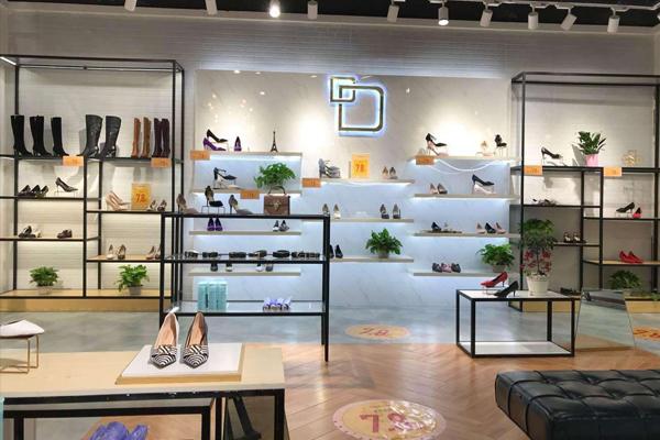 丹比奴女鞋專賣陳列