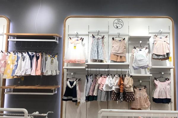 旺貝特嬰童裝店鋪陳列展示